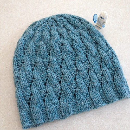 This whitecaps hat is finished and ready to be sent to it's new home :)
