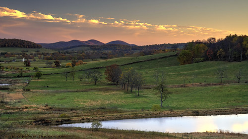sunset usa house mountain paris tree water barn landscape virginia nikon fallcolor cattle farm fallcolors historic pastoral blueridge pec d700 tomlussier landscapespec2014