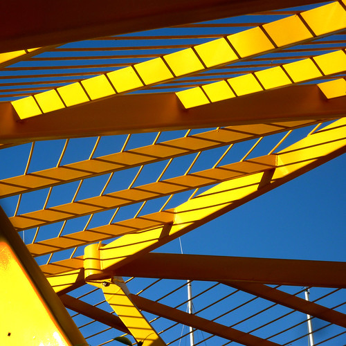 yellow brise-soleil by pho-Tony