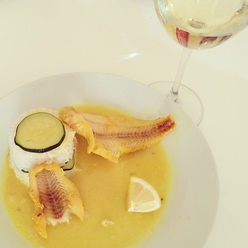 Yum! #blog #blogger #blogging ©http://laurasdiatribe.blogspot.co.uk #food #lunch #whatieat #fish #pollock #turmeric #rice #basmatirice #basmati #courgette #fennelseeds #lemon #wine #whitewine #Glenelly #Chardonnay