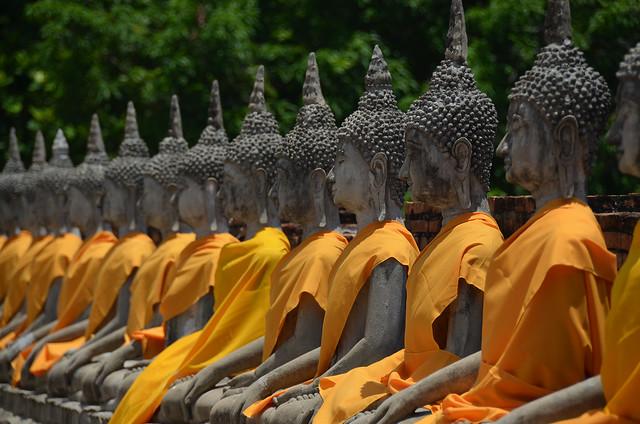 Buddhas de piedra en Bangkok