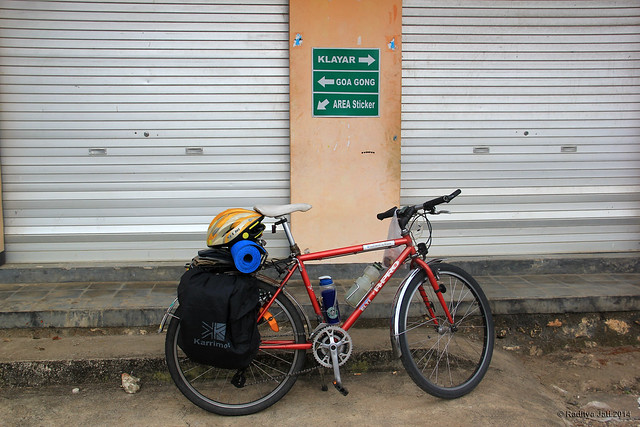 5 km to Klayar