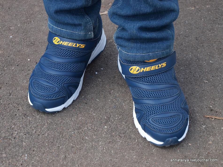 На такой обуви точно никто из нас не катался в детстве. Почему?