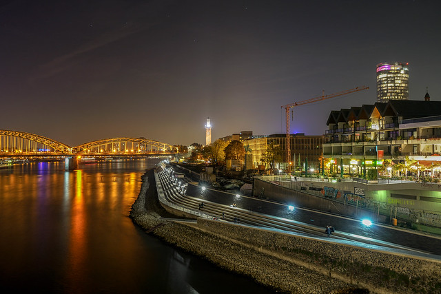 COLOGNE - rhine by night
