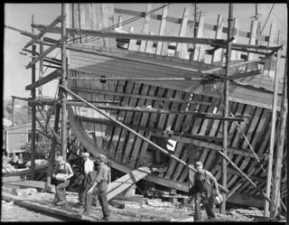 Shipbuilding in Nova Scotia / Construction navale en Nouvelle-Écosse