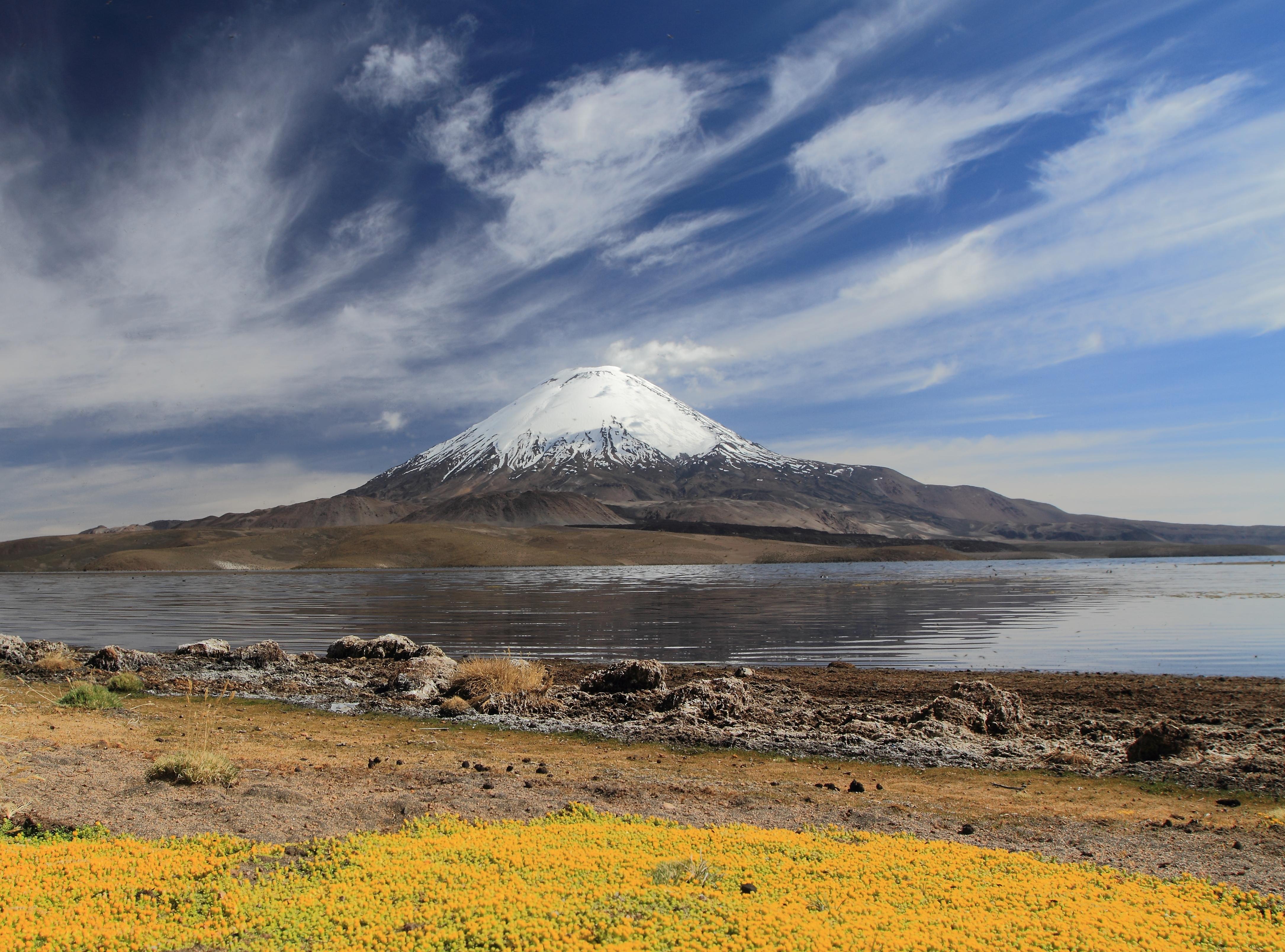 Volcán Parinacota, en la frontera entre Chile y Bolivia. Autor, S. Rossi