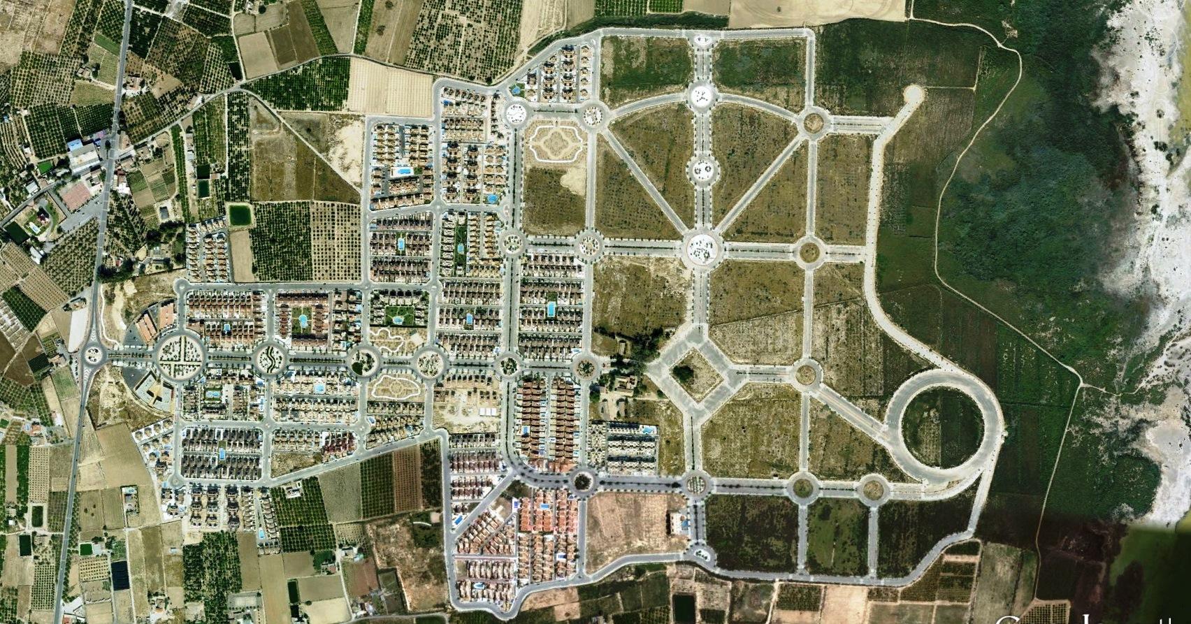 después, urbanismo, foto aérea,desastre, urbanístico, planeamiento, urbano, construcción,, campos de golf, Guardamar del Segura, Alicante
