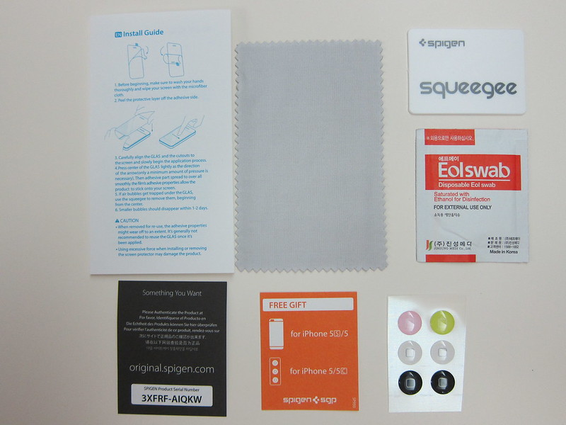 Spigen SGP GLAS.tR Nano Slim Screen Protector - Box Content