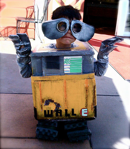 wall e by Anthony Schafer on Instructables