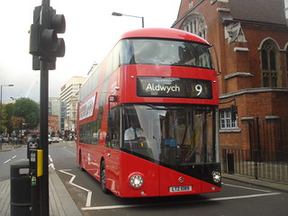 London United LT89 (LTZ1089) on Route 9, Hammersmith