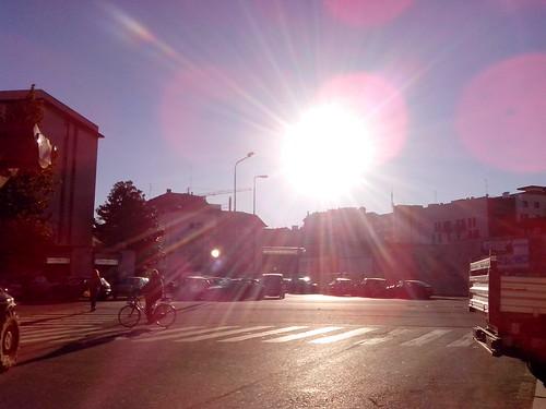 Il vero sole di novembre a Milano by Ylbert Durishti