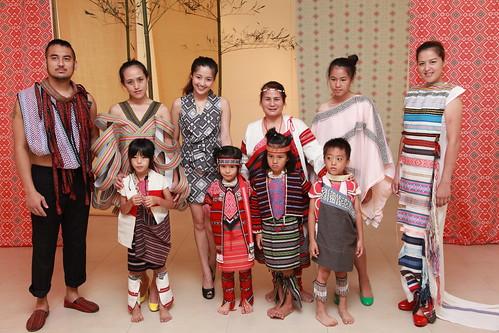 野桐工坊設計的泰雅服裝秀。(雪霸國家公園提供)