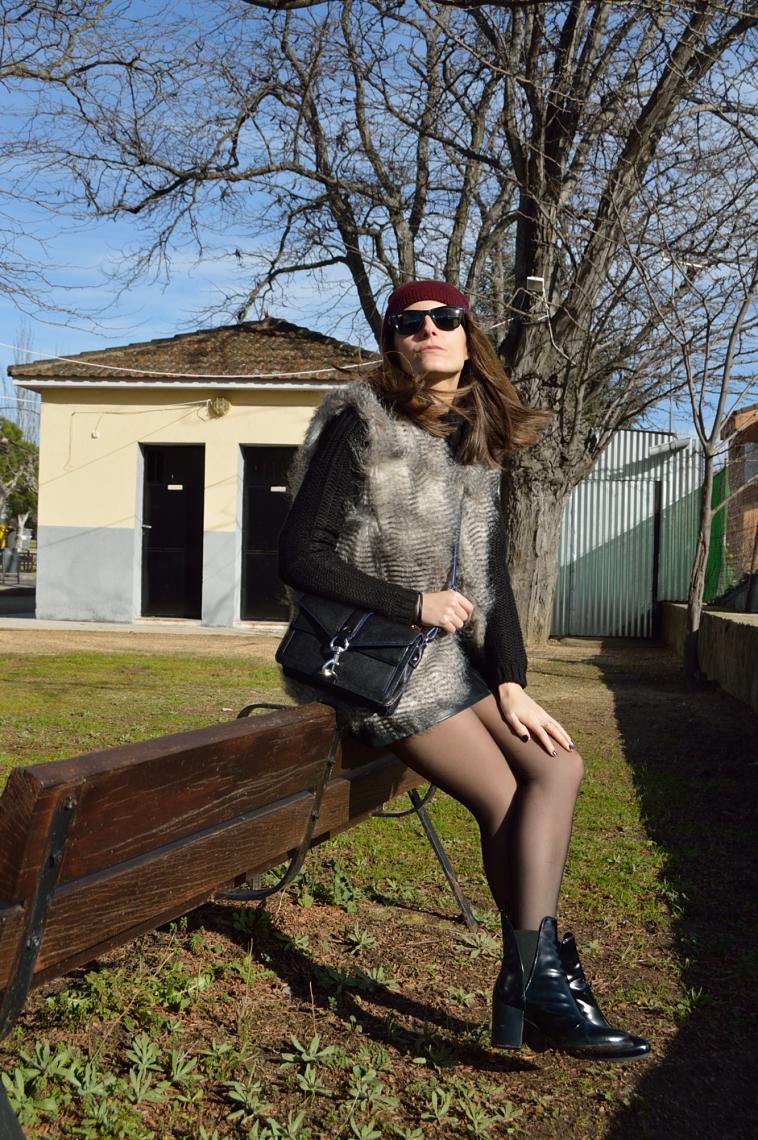 lara-vazquez-madlula-blog-fashion-chic-style-black-outfit