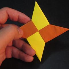 สอนวิธีพับกระดาษเป็นดาวกระจายนินจา (Shuriken Origami) - 018