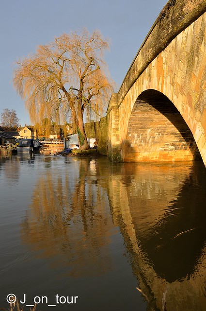 Lechlade on Thames   GJC_014940