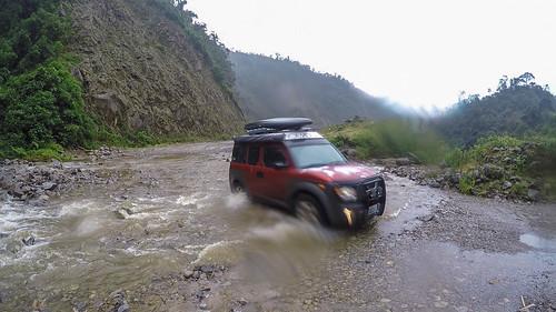 4x4 honda andes crossing ecamper ecuador element hondaelement mountains nomadistan offroad river travelfar loja