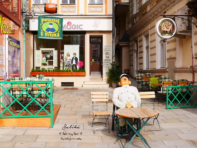 捷克Karlovy Vary餐廳推薦Restaurace U Svejka德國豬腳 (2)
