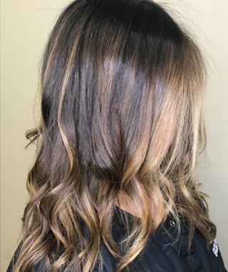 Loving this brunette!! #handpainted by MaryMiller @marymillertime book your appointment today! 901.590.4380 #IAMGOLDWELL #haircolor #hairpainting #solaris #olaplex #balayage #brunette #highlights #babylights #choose901 #memphis #memphishairsalon #memphish