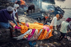 burning ghats of varanasi