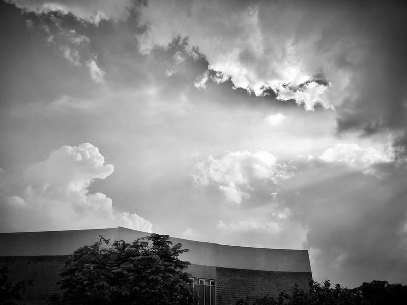 今天的雲跟那天不一樣了