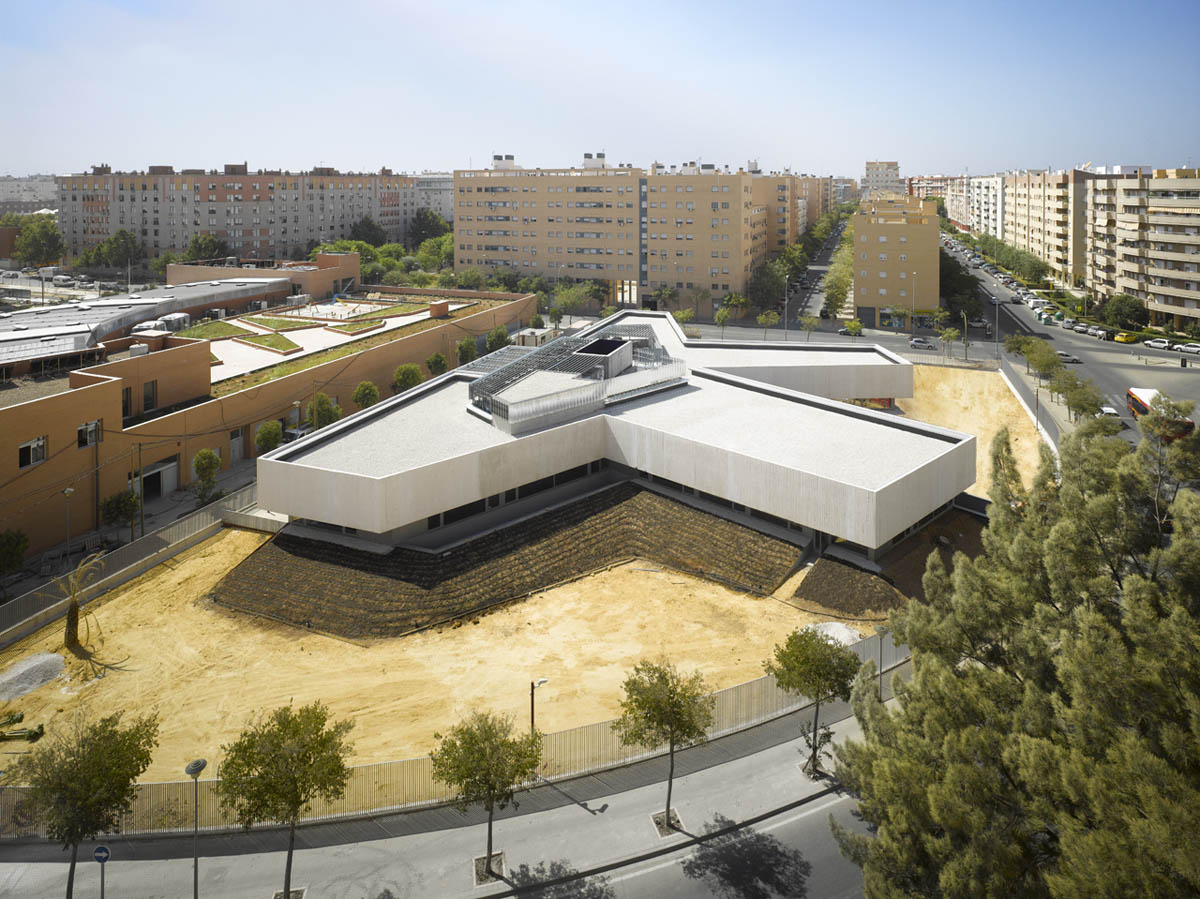 Eastern District of Seville Police Station design by Paredes Pedrosa