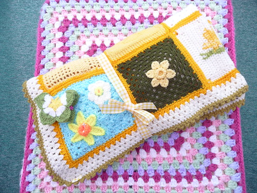 442 'Marie Curie Daffodil Blanket' to be auctioned on EBAY to raise money for Marie Curie Cancer Care. Thanks to all for contributing these beautiful Squares.