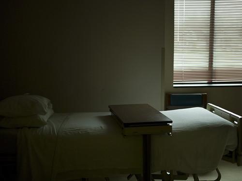 hospital_room_empty