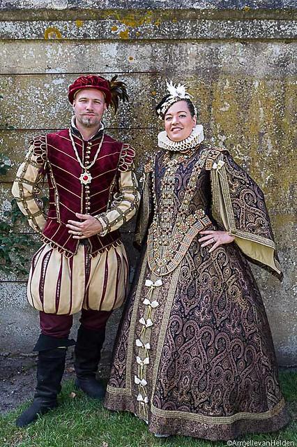 Medieval European Emperor King Queen Fancy Dress-in Movie ...  Renaissance King And Queen