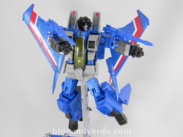 Transformers Thundercracker Masterpiece - modo robot