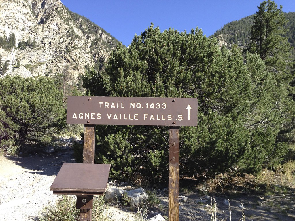 Trailhead for Agnes Vaille Falls