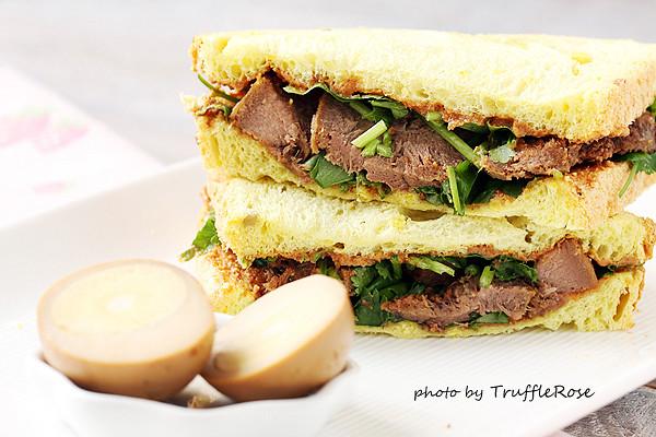 麵包隨意吃。豬舌掛包三明治-20131004