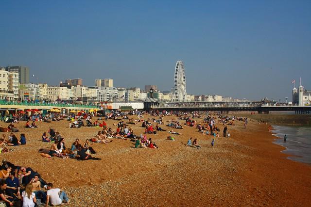 Jeden z pierwszych ciepłych dni w Brighton