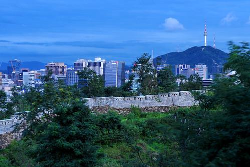 Seoul City Wall at Muak-Dong