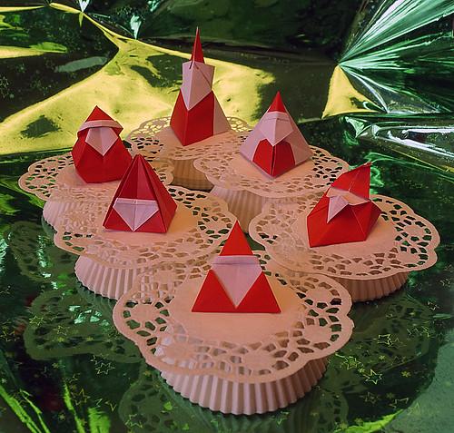 Origami Santa (Ted Norminton) -  Origami Santa Claus (Hideo Komatsu) - Origami Santa Box (Marcela Brina) - Origami Santa box (Makoto Yamaguchi) - Origami Santa (Toyoaki Kawai) - Origami Simple Santa (Nick Robinson)