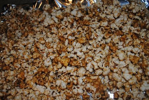 Chocolate Caramel Pecan Popcorn (2)