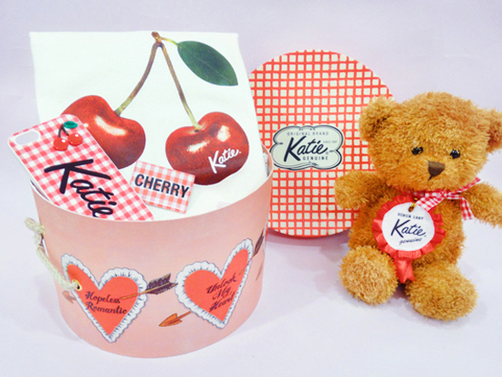 HATBOX-HEART