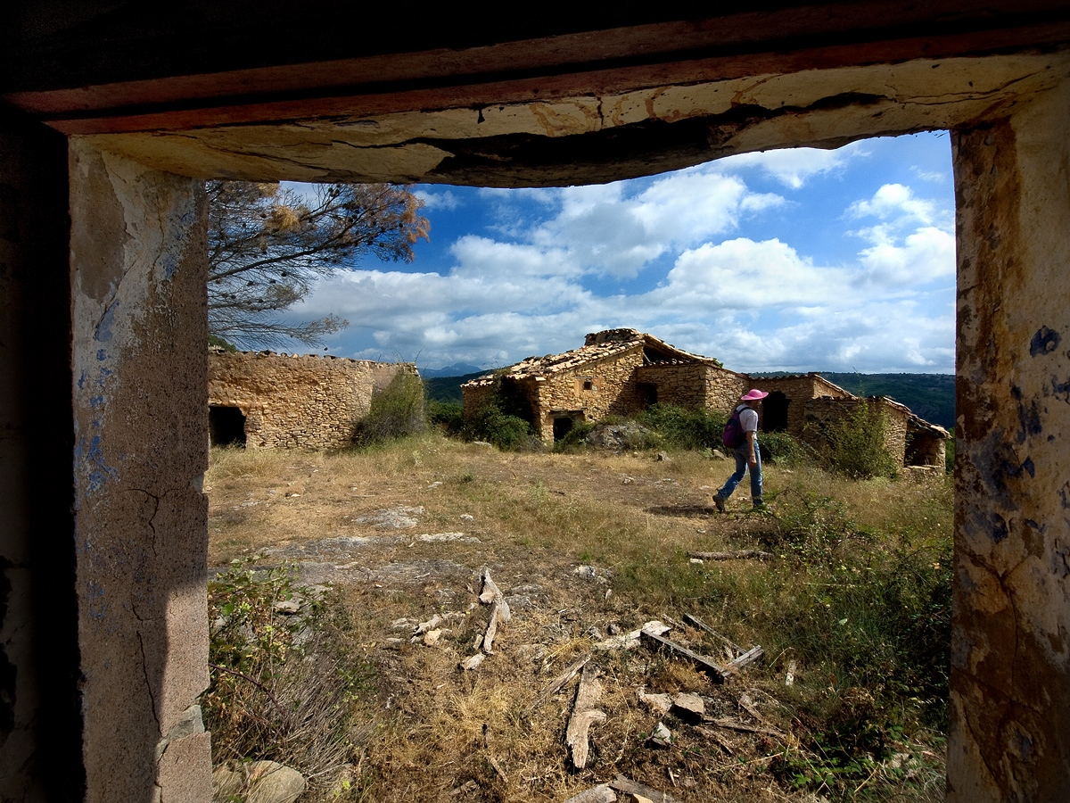 3. Masías abandonadas. Autor, Amadeu Sanz