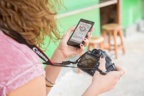 La nueva EOS 1200D, la primera cámara de Canon que aprenderás a usar desde tu móvil