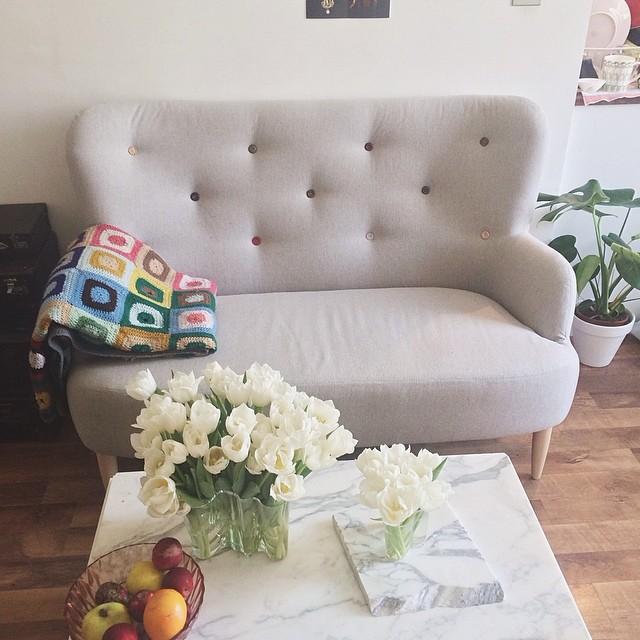 we got a sofa today!