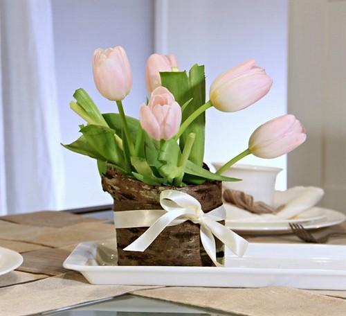 diy-birch-bark-vase-flowers