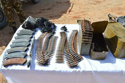 مكافحة الارهاب في الجزائر 32950028274_2b98cb5df7_b