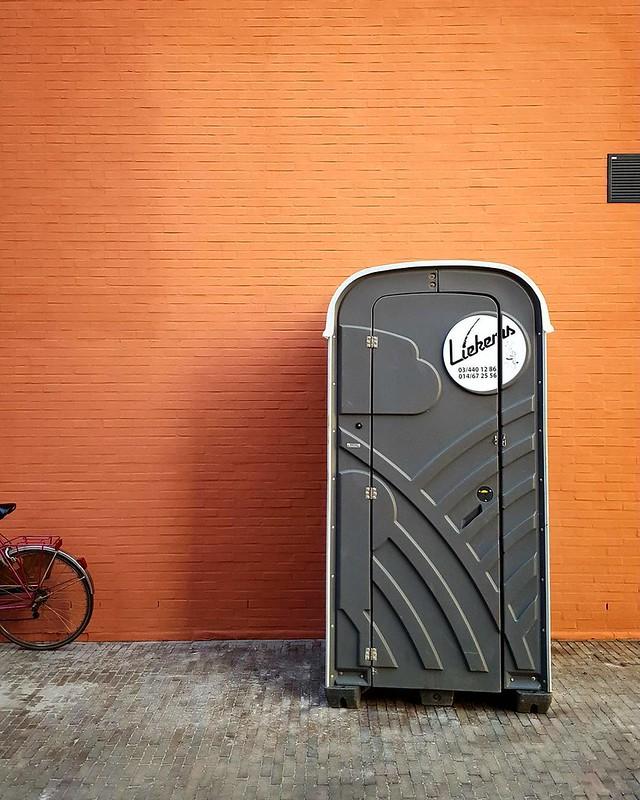 'Toilet' - #Leuven #Belgium #toilet #photography #urban #Docville #documentary #festival #minimalism #minimalistic #bike #bicycle