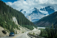 Winding road in the Icefields Parkway