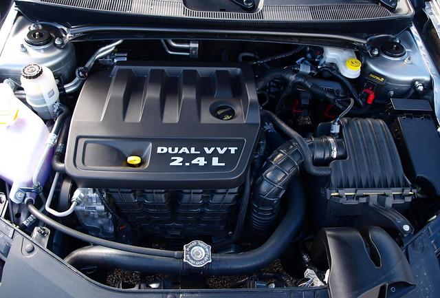 2013 Chrysler 200 Touring S 5