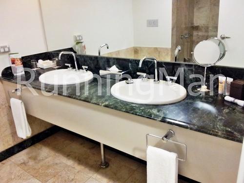 The Pullman Hotel 02 - Bathroom