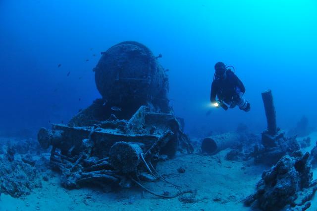 Fri, 11/14/2008 - 11:47 - Shipwrecks2