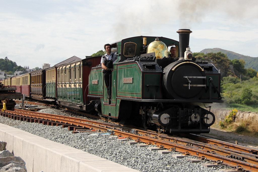 """Ffestiniog Railway steam locomotive 11 """"Earl of Merioneth"""" The Cob, Porthmadog. Wednesday 24 July 2013."""