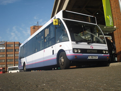 First Beeline 53065 on Route 51, Staines