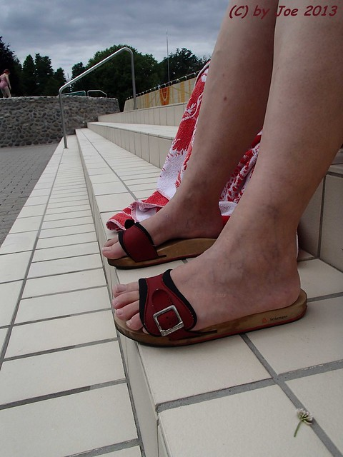 Flickr The Dr Scholl Sandals Pescura Pool