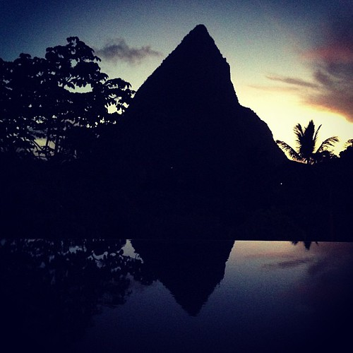 sunset square squareformat stlucia petitepiton iphoneography instagramapp xproii uploaded:by=instagram foursquare:venue=4f2ad074e4b00359244666c2 boucanbyhotelchocolat